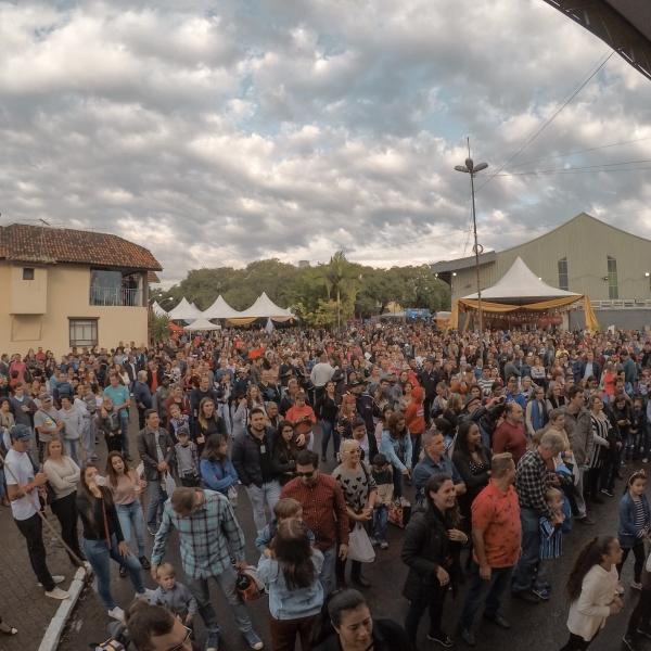Festa das Cucas registra público de 60 mil pessoas